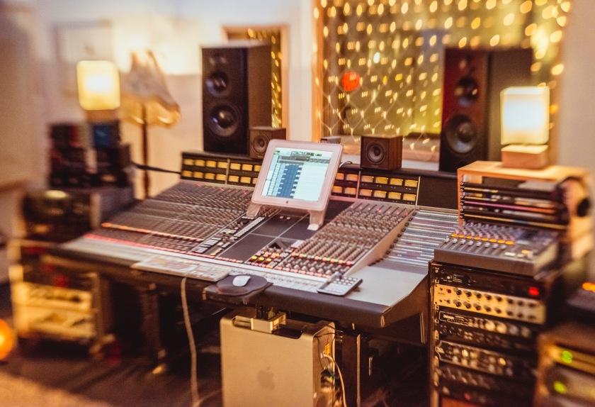 control-room-nice-blur
