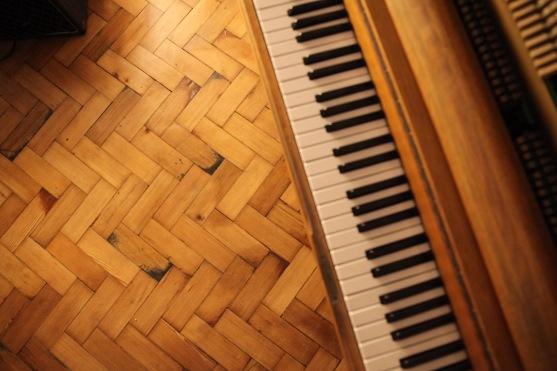 Piano floor